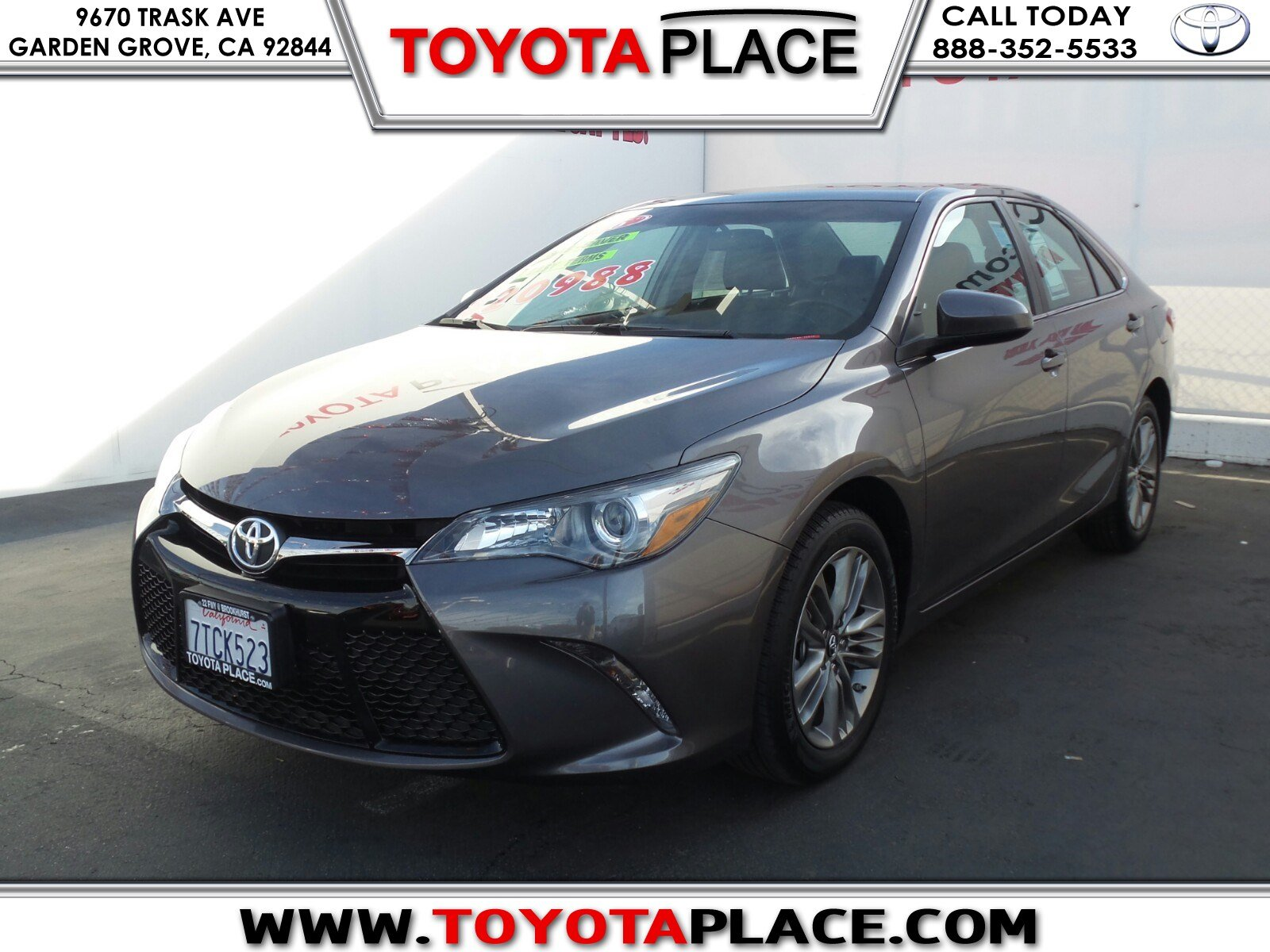 pre owned 2016 toyota camry se 4dr car in garden grove r242637 toyota place. Black Bedroom Furniture Sets. Home Design Ideas